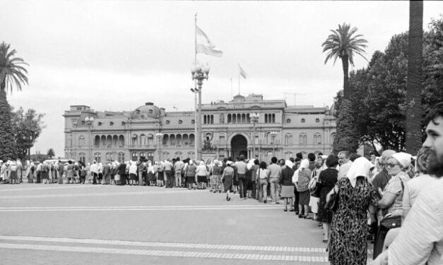Conociendo a las Madres de Plaza de Mayo