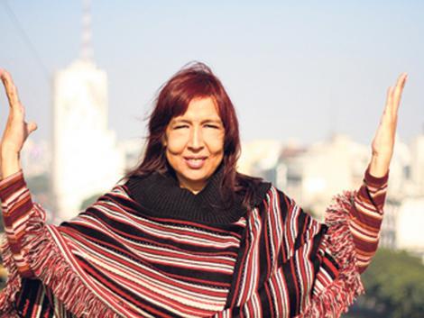 Inauguración de baldosas en homenaje a Lohana Berkins