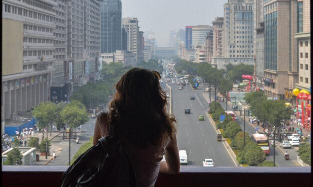 """China: """"un viaje de mil millas comienza con un paso"""""""