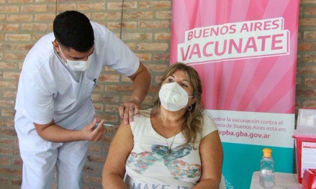 Mayores de 55 años podrán vacunarse sin turno en la provincia de Buenos Aires