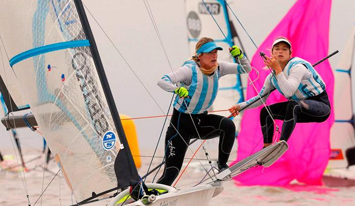 Gran debut de la dupla Sol Branz y Victoria Travascio en la categoría 49er FX de vela