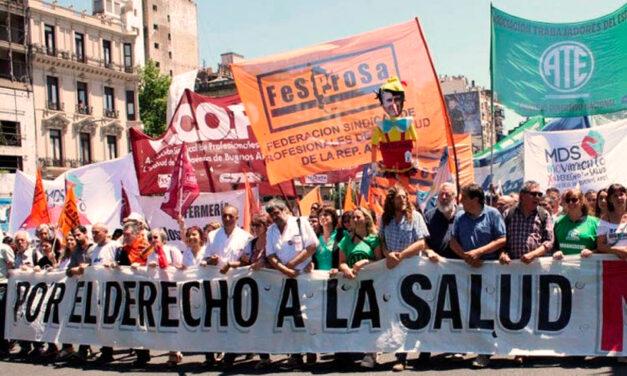 Trabajadores de la salud protestan contra la precarización