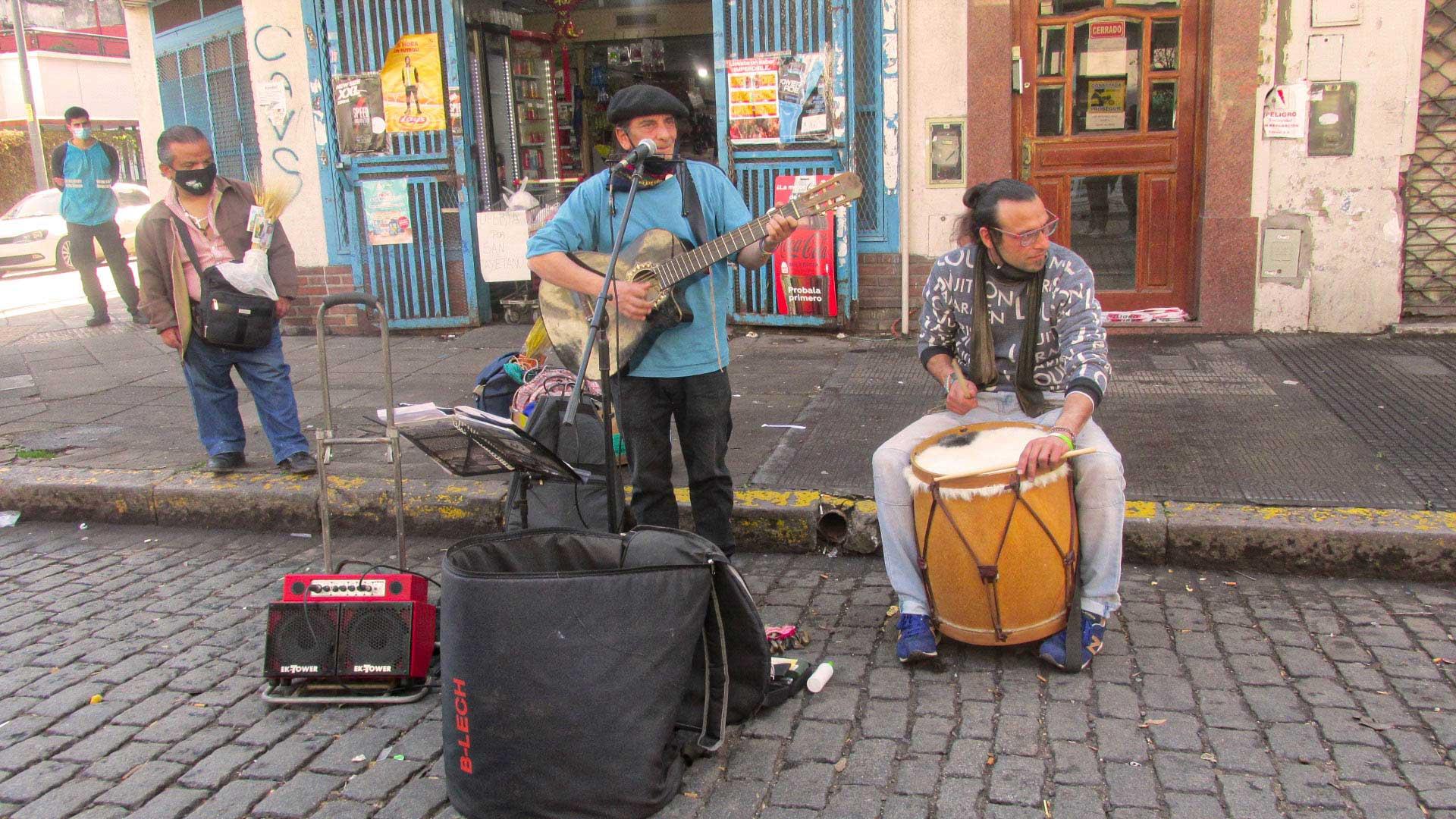 Músicos en San Cayetano