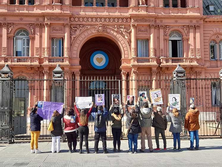 Familiares sobrevivientes de femicidios Plaza de Mayo