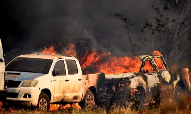 Chaco: atroces llamas convirtieron un depósito de autos en cenizas