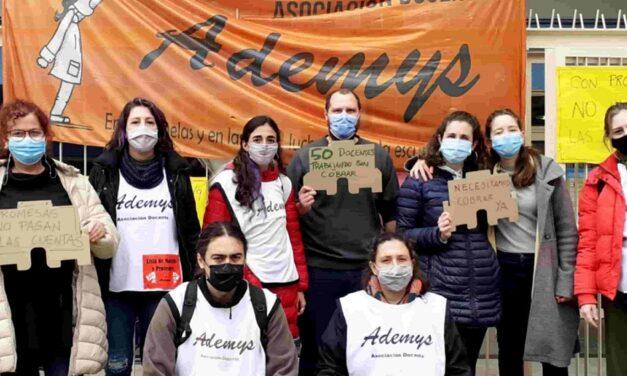 Docentes protestan atrasos salariales superiores a un año