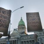 Jóvenes a lo largo del mundo se unieron por una justicia ambiental