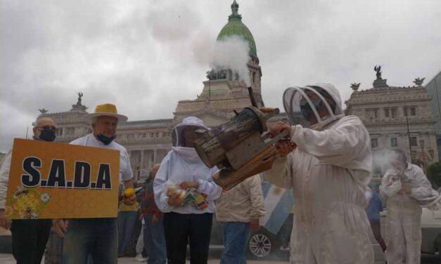 Apicultores realizaron una concentración en CABA y distintos puntos del país