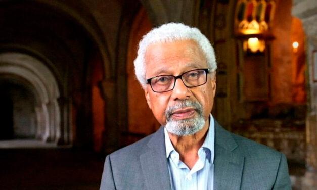 Luego de casi dos décadas, un africano gana el Nobel de Literatura